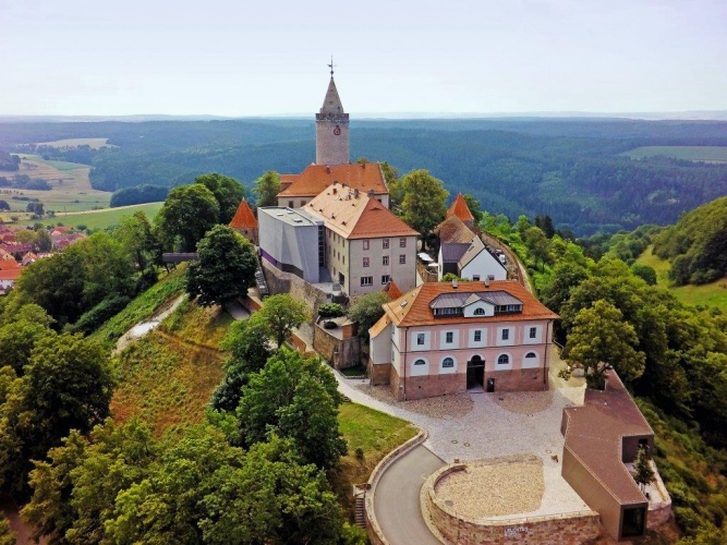 The Leuchtenburg Castle is almost at 400 metres above sea level